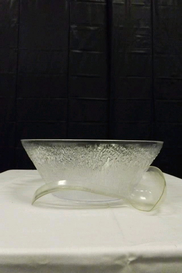 Where to find PUNCH BOWL 2 GAL-PLASTIC in Gresham
