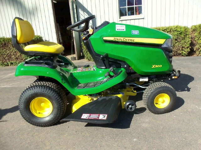 Where to find X330 JD RIDING LAWN MOWER in Gresham